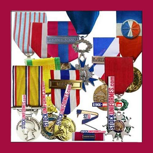 Médailles et décorations militaires et civiles -
